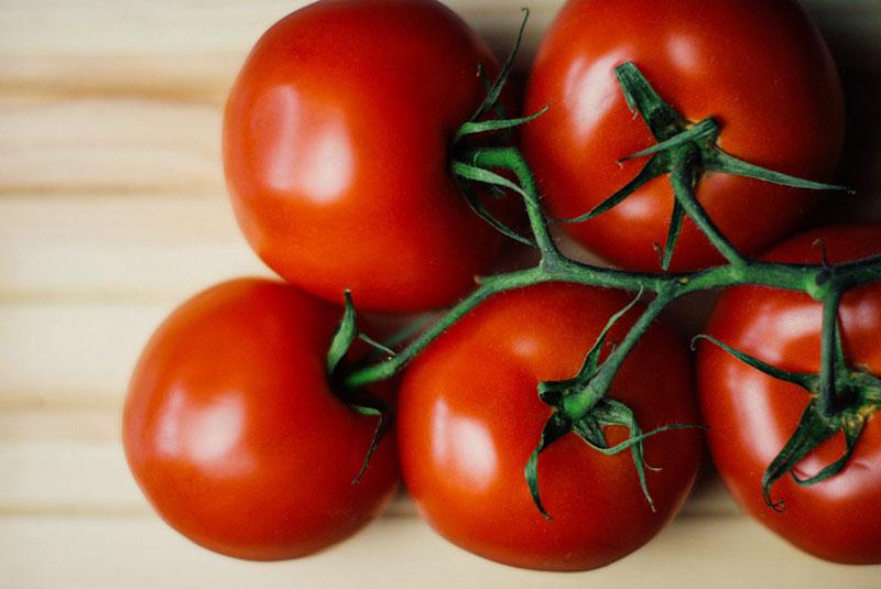 Benefícios e vantagens em consumir tomate