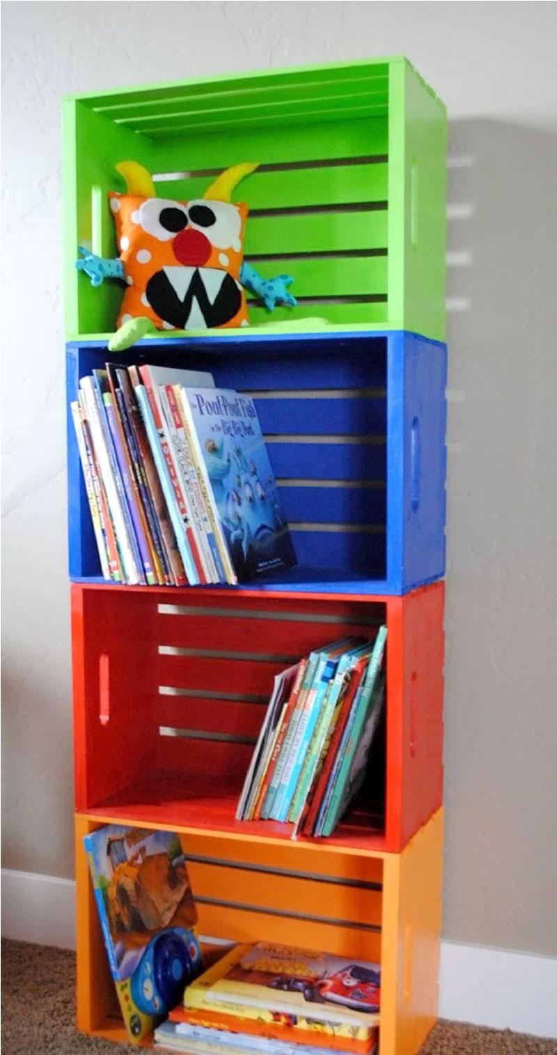 Decoração com caixotes coloridos para quarto infantil
