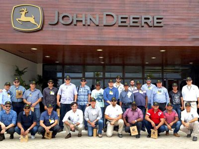 Participantes do Sul e Centro Oeste participaram do evento nas dependências da John Deere Brasil.