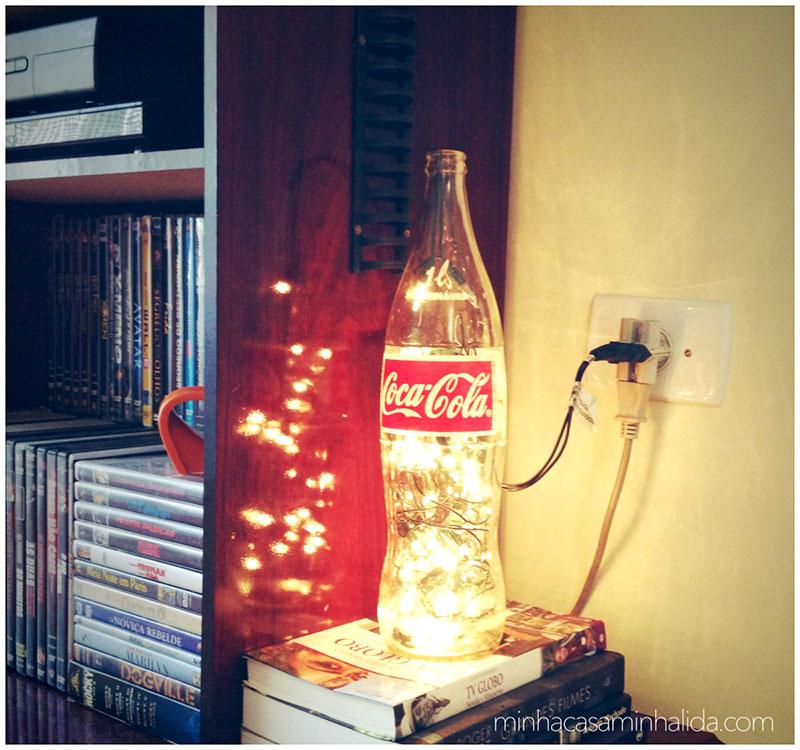 Luminária - Abajur feito com garrafa de refrigerante