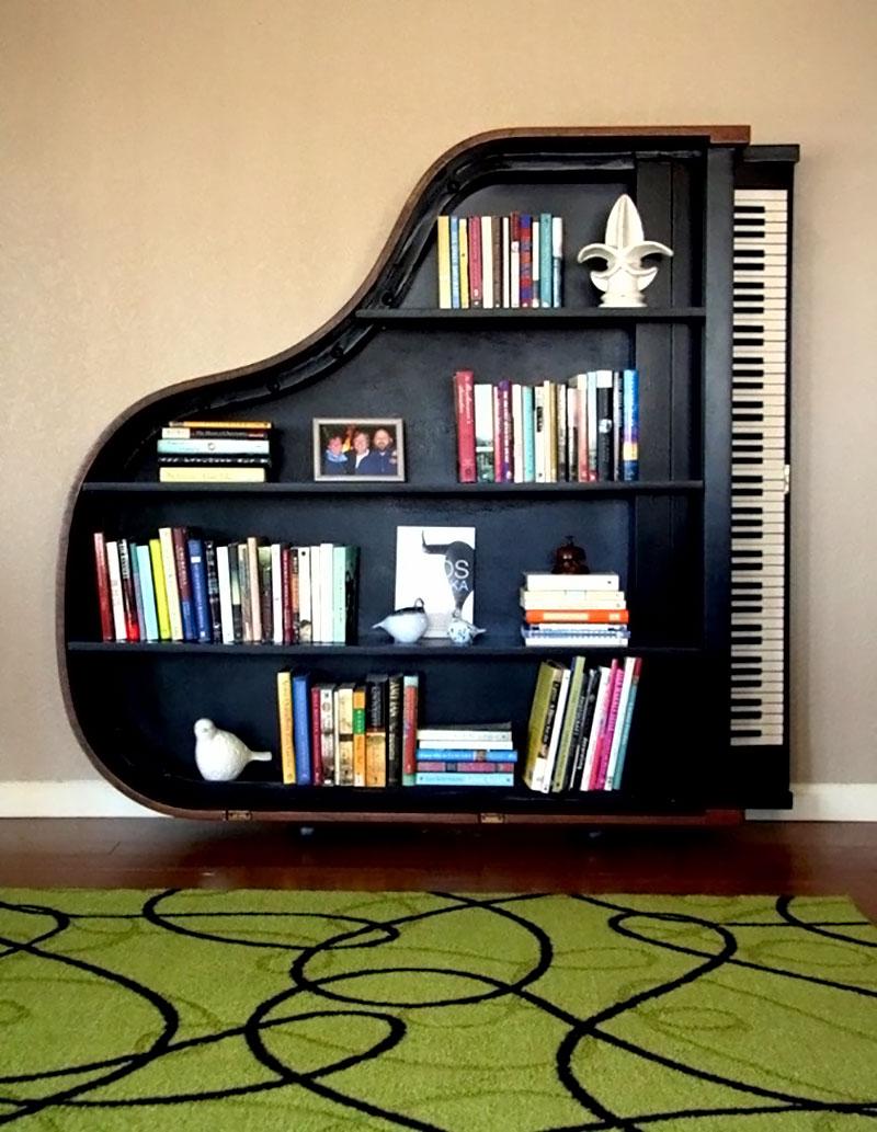 Prateleira feito com piano de calda