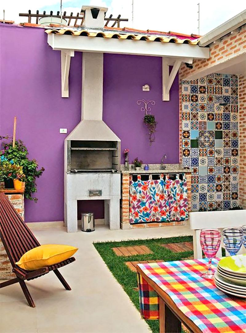 Decoração moderna colorida para quintal de casa