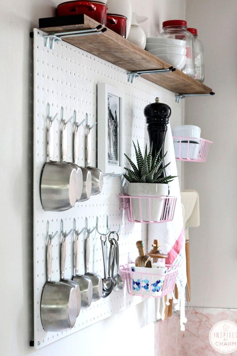 Painel para pendurar utensílios de cozinha