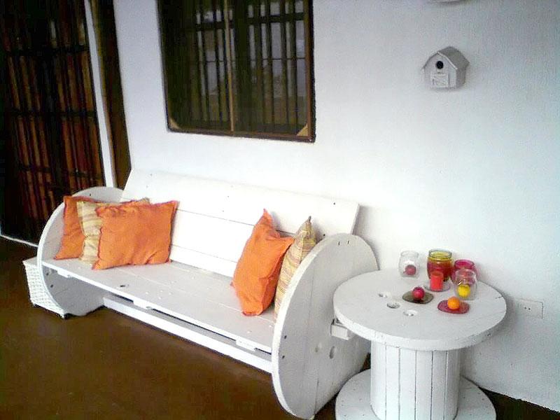 DIY: Banco e Mesa feito com Carretel de Madeira