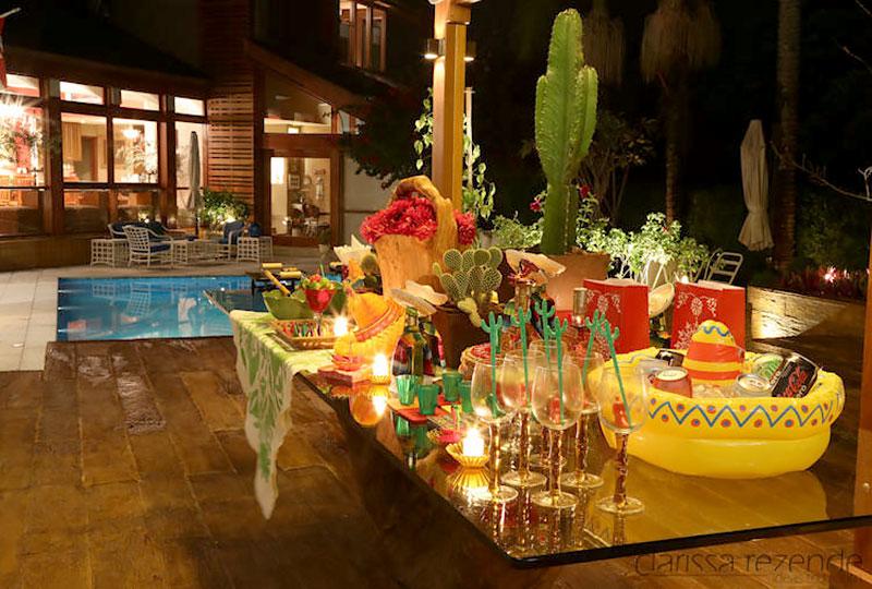 Noite Mexicana: Mesa com iguarias
