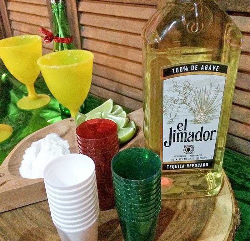 Tequila, bebida tradicional Mexicana