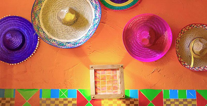 Noite Mexicana: Sombreros