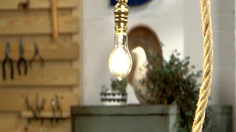 Luminária feito com corda sisal