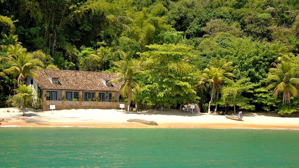 Ilha deserta em Paraty - RJ