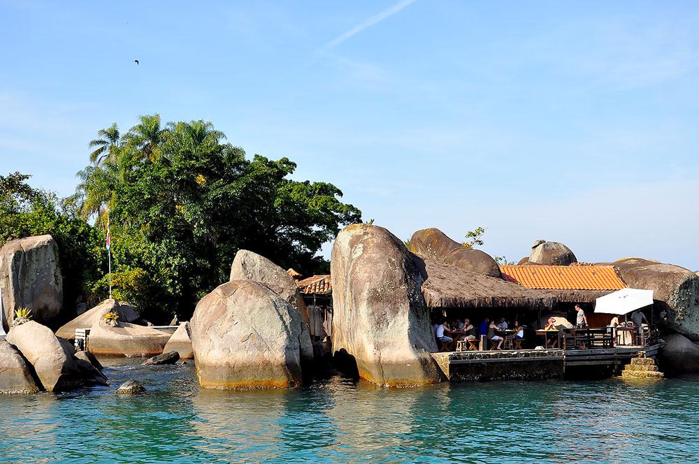 Restaurante na Ilha do Catimbau - Paraty - RJ