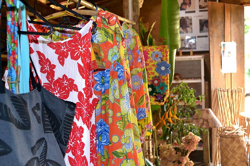 Confecção de roupas no Quilombo em Paraty