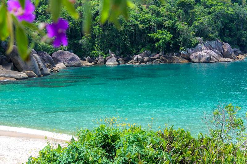 Trilha na Praia do Sono em Paraty
