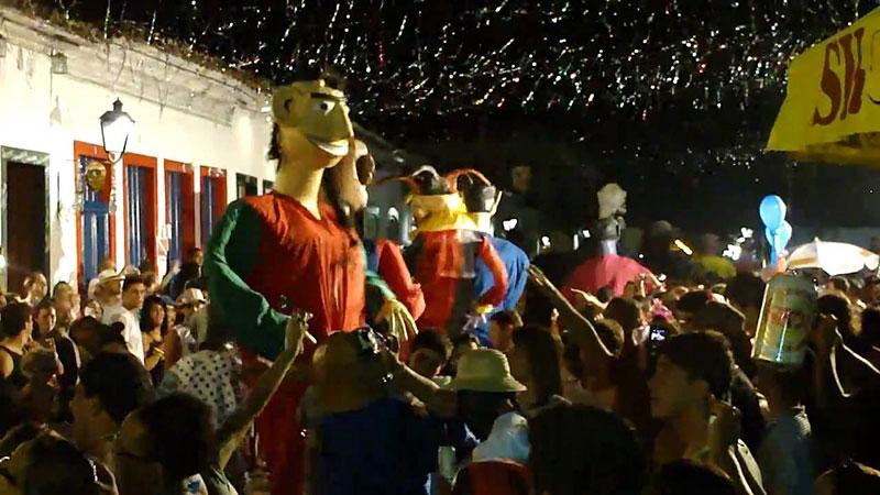 Bonecos no Carnaval em Paraty