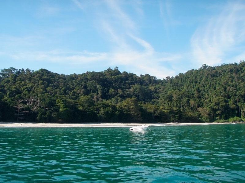Praia das Amendoeiras - Ilha da Gipoia