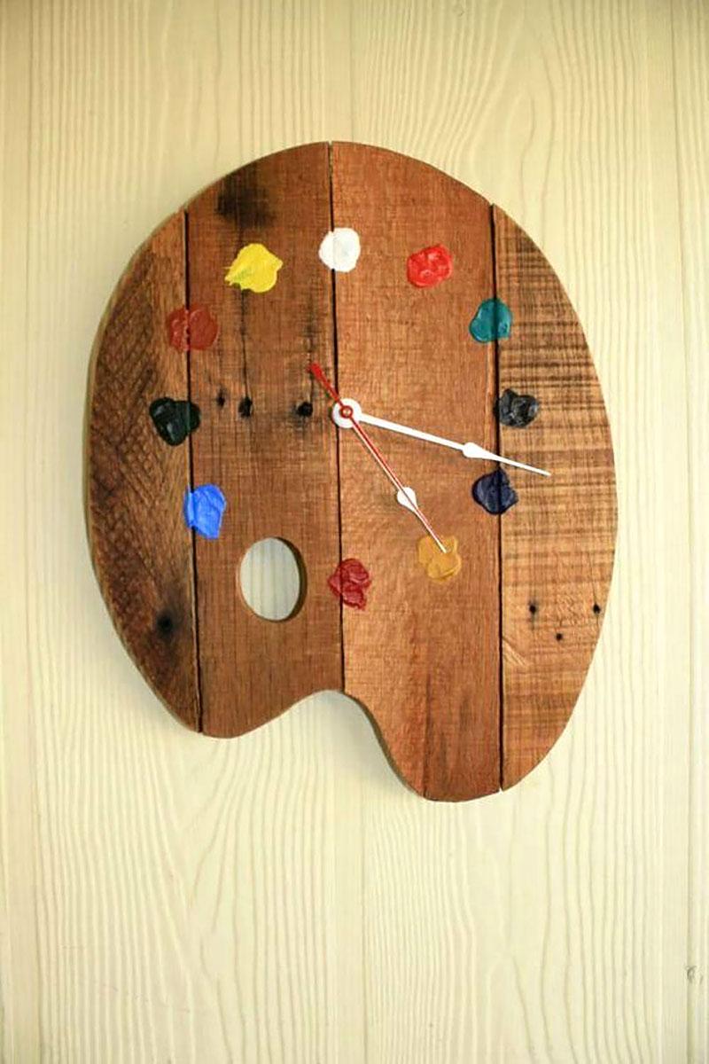 Relógio de Parede em forma de Paleta de Pintura