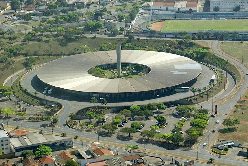 Rodoviária de Londrina projetada por Oscar Niemeyer
