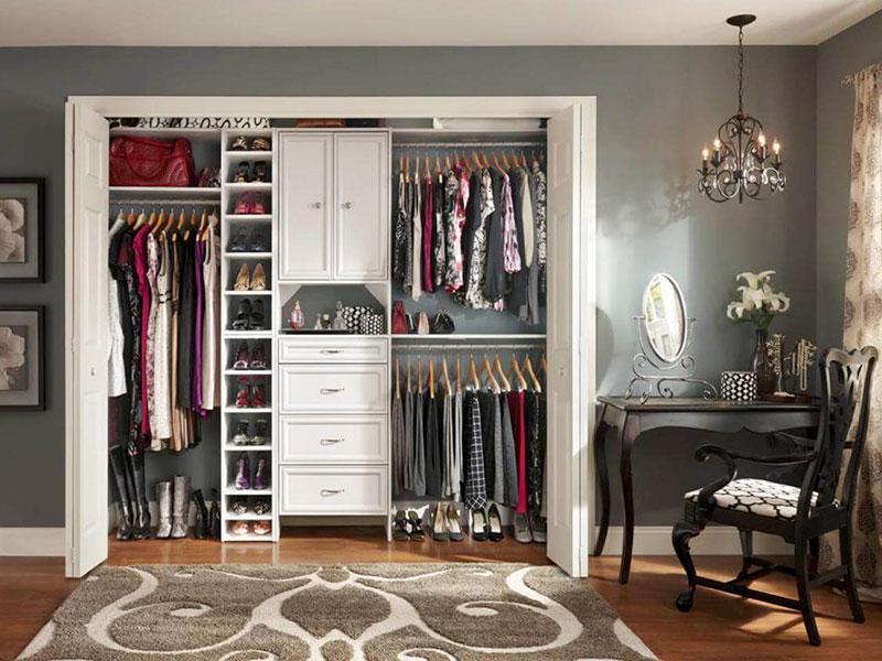 Ideias Práticas para Montar um Closet Pequeno e Bonito - HF Urbanismo 282e235faad