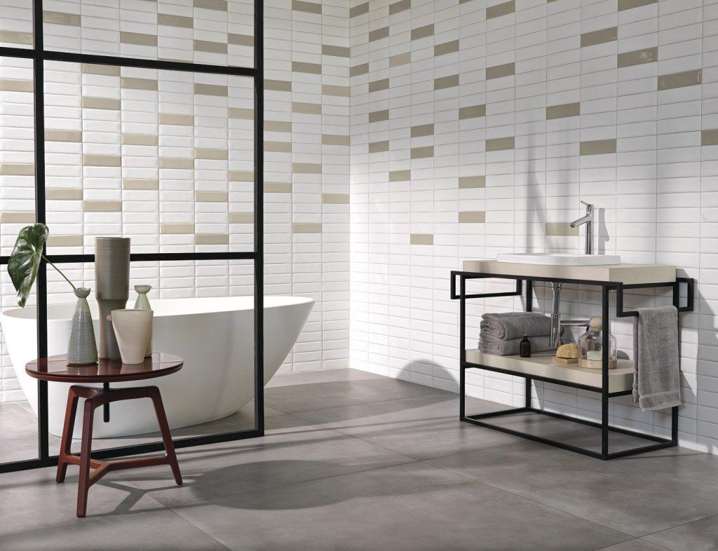 Banheiro com padrões disruptivos